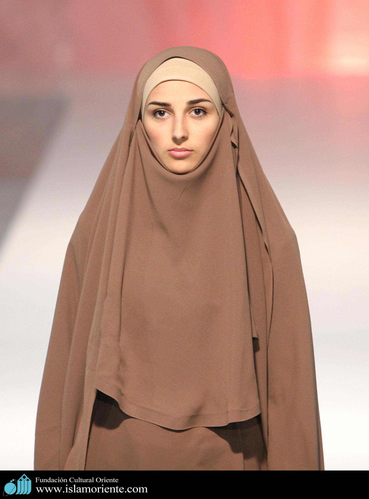 Mujer musulmana y desfile de moda - 4 | Galería de Arte ...