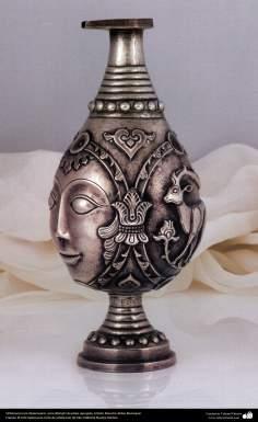 Orfebrería iraní (Qalamzani), Jarra (Ebrigh) de plata repujada, Artista: Maestro Akbar Bozorgian -139
