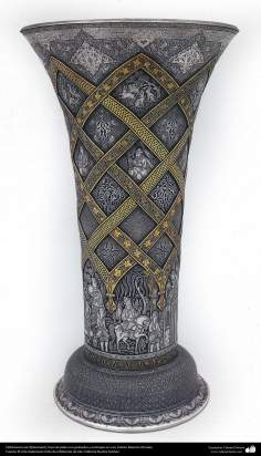 Iranian art (Qalamzani), Engraved silver vase and gold plating, Artist: Master Ali Saee -163