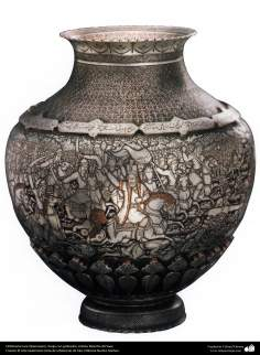 Ourivesaria iraniana (Qalamzani), Vaso com gravura, Artista: Mestre Ali Saee - 166