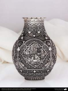 هنر ایرانی (قلم زنی)، گلدان نقره ای حکاکی شده، اثر استاد رضا قادران – 180