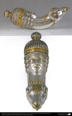Orfebrería iraní (Qalamzani), Estatua de plata recubierta en oro, en el estilo sasánida y parto -47