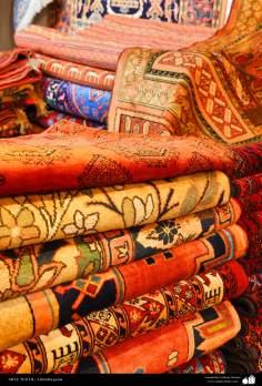 اسلامی فن - ہاتھ سے بنی ہوئی ایرانی قالین - ۱۰۲