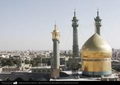 Arquitetura Islâmica - Minaretes e cúpula do Santuário de Fátima Masuma (SA) na cidade Santa de Qom