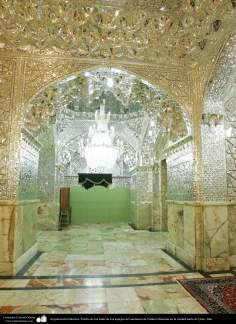 Arquitectura Islámica- Pasillo de las salas de los espejos del santuario de Fátima Masuma en la ciudad santa de Qom (33)