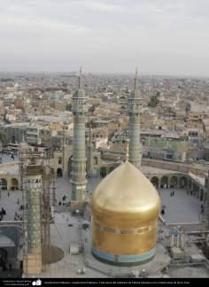 اسلامی معماری - شہر قم میں حضرت معصومہ (س) کے روضہ کا مینارہ اور گنبد - ۴