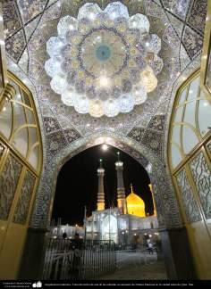Исламская архитектура - Облицовка кафельной плиткой (Каши Кари) - Внутренний фасад купола храма Фатимы Масуме (мир ей) - Кум , Иран - 7