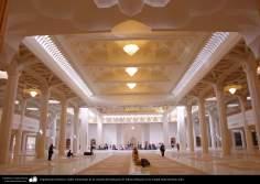 العمارة الإسلامية - بالنظر إلى باحة ضريح الحضرت المعصومه (س) عقد الصلاة في مدينة قم المقدسة - 12