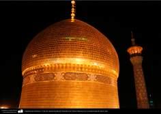 Architettura islamica-Vista della cupola dorata e minareto rivestito di piastrelle del santuario di Fatima Masuma(P)-Qom(Iran)-11