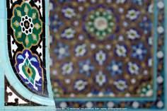 """اسلامی معماری - شہر مشہد میں """"۷۲ شہید"""" نام کی جامع مسجد میں فن کاشی کاری (ٹائل)، ایران - ۳۰۱"""
