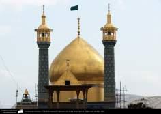 اسلامی معماری - شہر قم میں حضرت معصومہ (س) کے روضہ کا مینارہ اور گنبد اور اس پر کاشی کاری کا فن - ۱۱۸