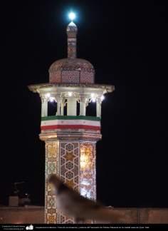 معماری اسلامی - نمایی از مناره حرم حضرت فاطمه معصومه در شهرستان مقدس قم - 101