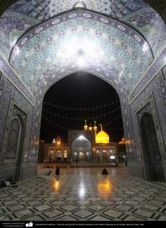 معماری اسلامی - نمایی از گنبد حرم حضرت فاطمه معصومه در شهرستان مقدس قم - 89