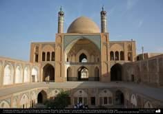 Arquitectura islámica- Una vista de la Mezquita Agha Bozorg (Masyed-e Agha Bozorg)-Kashan - 203