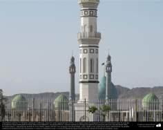 معماری اسلامی - نمایی از گنبد و مناره مسجد مقدس جمکران در شهرستان مقدس قم، ایران - 135