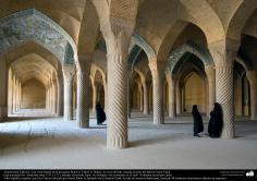 Arquitectura islámica- La Mezquita Wakil (o Vakil) en Shiraz, Irán, construida entre 1751 y 1773, durante el período Zand - 9