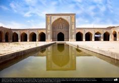Architecture islamique, le batiment historique de la mosquée Wakil dans la ville de Shiraz en Iran construite entre 1751 et 1773 à l'époque de Zand - 5