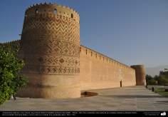 Исламская архитектура - Фасад крепости Керим-хана Зенда , во время династии Зендов - Шираз - Построена в 1766 и 1767 гг. - 12