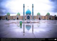 معماری اسلامی - نمایی از گنبد و صحن بزرگ مسجد مقدس جمکران در شهرستان مقدس قم، ایران - 132