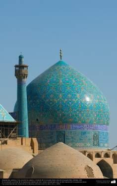 Architettura islamica-Vista di cupola e minareto di moschea Imam Khomeini(Moschea Shah),Isfahan,Iran-18