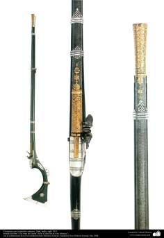 Les anciens instruments décoratifs de la guerre - Fusil avec des motifs - Inde - XIVe siècle