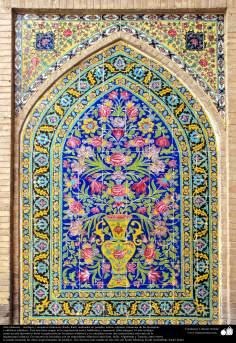 Architettura islamica-Vista di piastrelle utilizzate in pareti,soffitto,cupola e minareto per decorare moschee ed edifici nel mondo islamico-43