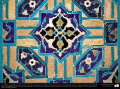 معماری اسلامی - نمایی از کاشی های استفاده شده در دیوارها، سقف ، گنبد، مناره برای دکوراسیون مساجد و ساختمان ها در جهان اسلام - 72
