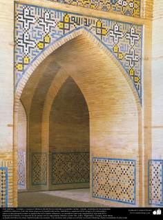 Islamic Art – Mosaic and islamic tiles (Kashi Kari) - 92