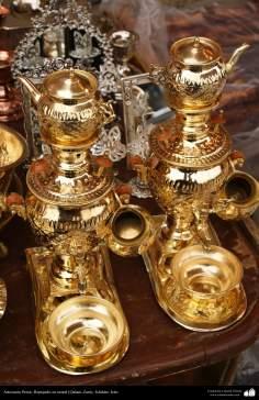 Artesanato Persa - Objetos feitos em metal em relevo (Qalam Zani) - Isfahan, Irã