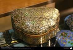 Arte islamica-Artigianato-Khatam Kari-Gli oggetti ornamentali d'intarsio-Isfahan(Iran)-20