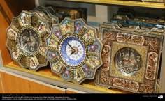اسلامی فن - فن خاتم کاری اور دوسرے مختلف فن سے ہاتھ سے سجائی ہوئی گھڑٰی شہر اصفهان سے متعلق، ایران