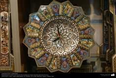 اسلامی ہنر - فن خاتم کاری سے ہاتھ سے سجائی ہوئی گھڑی (ایک قسم کا مرصع جڑنا)، ایران - ۱۸