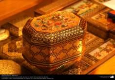 Artesanato Persa - Khatam Kari (marchetaria e Ornamentação de objetos) Isfahan, Irã - 6