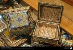 Artesanato Persa - Caixinha ornamentada Khatam Kari (marchetaria e ornamentação de objetos), Isfahan, Irã - 21