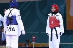 Atleta iraniana em uma competição de Taekwondo