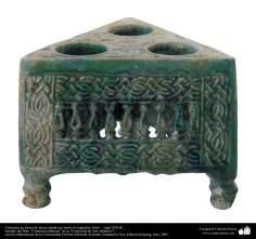 Céramica en forma de mesa calada con motivos vegetales; Siria –  siglo XIII dC. (54)