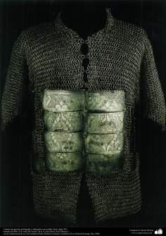 戦争や装飾用の古い道具、戦争用ドレス( 15世紀)