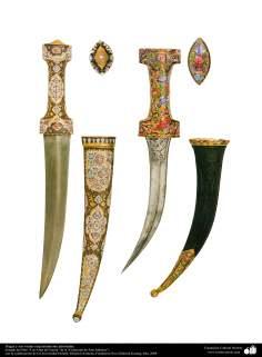 الأثاث القديم والحرب الزخرفية - خنجر الحرب ونسيج غمد