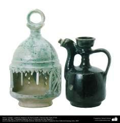 Laterne und Krug - Islamische Keramik -  Aus Zentralasien oder Ostiran, - wahrscheinlich während des 9. Jahrhundert n.Chr. - Islamische Kunst - Islamische Potterie - Islamische Keramik