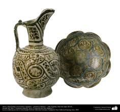 Jarra y plato hondo con motivos vegetales – cerámica islámica –  Kashan, fines del siglo XII dC. (21)