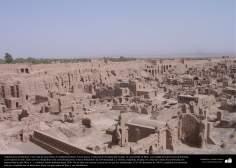 Доисламская персидская архитектура - Арг-е Бам (крепость Бам) - Одна из крупнейших глинобитных постройк в мире - Построена 500 до.н.э - Керман - 40