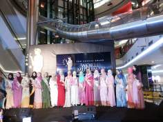 Mujer musulmana en Indonesia- desfile de moda (World Muslimah 2013) -2