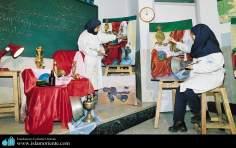 Taller de Artesanías para Mujeres musulmanas / Irán