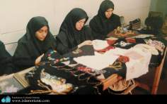Muslim woman and Handicrafts / embroidery