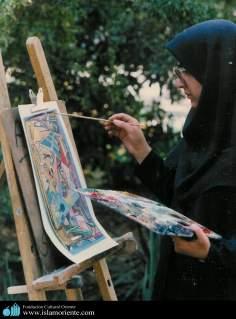 Mulher muçulmana na pintura de um quadro