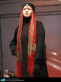 Muslim Woman and Fashion show - 25