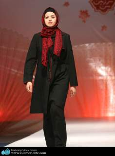 Muslim Woman and Fashion show - 10