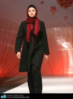 Mujer musulmana y desfile de moda - 10