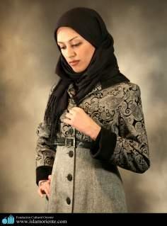 Modelo muçulmana sendo fotografia para revista de moda