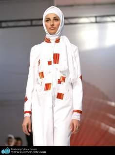 Mujer musulmana y desfile de moda - 40